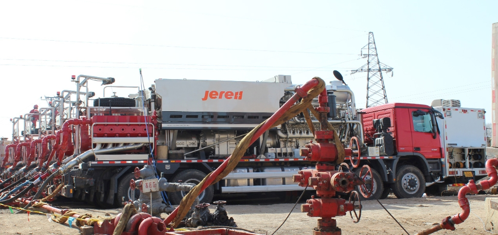 Fracturing unit price,specifications,components_Jereh