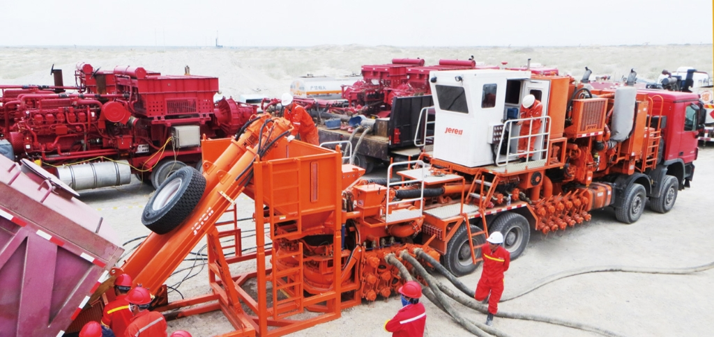 Jereh 240bbl Truck Mounted Sand Blender in Karamay, China