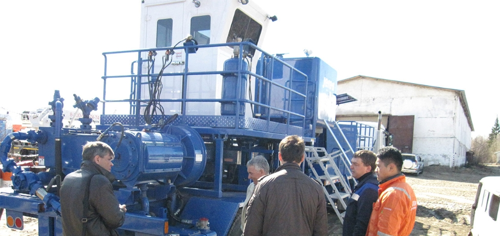 Jereh Trailer Mounted Acidizing Fracturing Unit in Russia